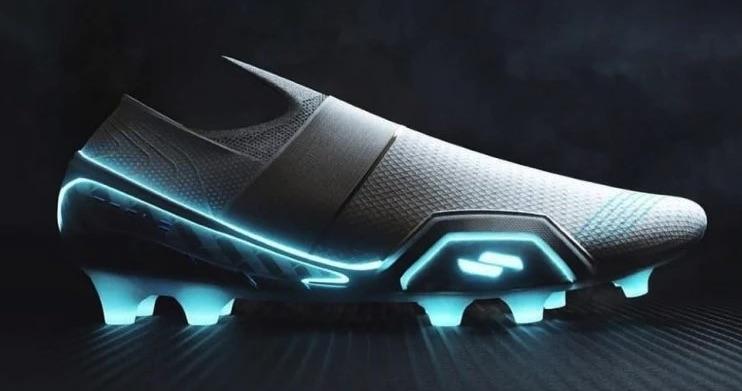 Nike immagina come sarebbe una scarpa da calcio Tesla