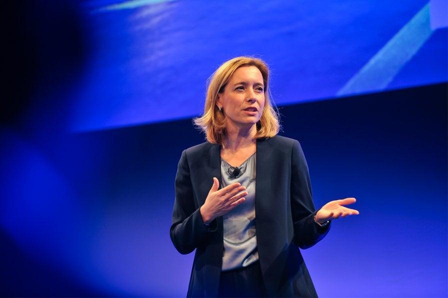 Mercedes-Benz, Sabine Scheunert sostiene le donne nel settore IT